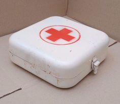 Vintage Medical Metal Box First AID made in USSR RED CROSS | Collectibles, Science & Medicine (1930-Now), Mining | eBay!