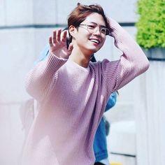 Bogum enters Music Bank yesterday! He has glasses on.  #parkbogum#bogummy#bogommy#parkbogeum#reply1988#hellomonster#tomorrowcantabile#blind#korea#kdrama#koreanactors#mc#musicbank#bogumpark#parkbogum#박보검#보검#kpop#kpopshoutout