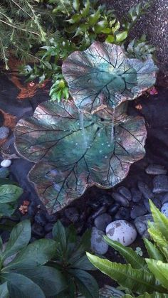 DIY leaf water feature - 19 useful things for your delightful garden (1)