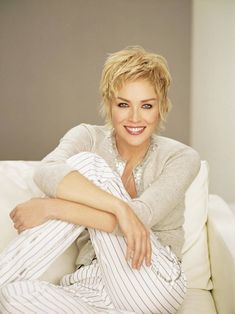 sharon stone | Sharon Stone 3 | ASIK NEWS Love the hair