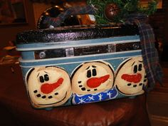 Frosty Friends stick together makeup case