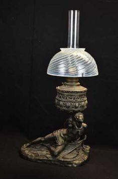 Antique Oil Lamps, Antique Lighting, Lamp Light, Light Up, Victorian Lamps, Cool Art, Nice Art, Kerosene Lamp, Glass Art