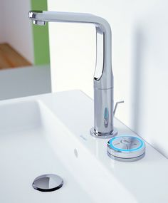 Grohe goes digital with its new wireless control for the new Veris Digital faucet and Rainshower Solo Digital shower. This neat gadget enables the user to control water temperature...