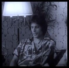 Music quotes memories friends most popular ideas Queen Freddie Mercury, Freddie Mercury Quotes, Mercury Facts, Freedy Mercury, Queen Photos, Queen Pictures, Across The Universe, Fukuoka, Freddie Mercury Zitate