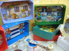 Cajas de Fresas | Hacer bricolaje es facilisimo.com Strawberry Box, Fruit Box, Annie Sloan Chalk Paint, Decoupage, Crates, Repurposed, Crafts For Kids, Recycling, Diy Projects