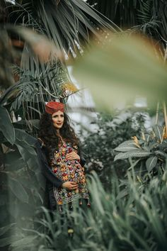 Maternity Photo Series Photo Credit: Stylist @abbybellacouture Make up @veerubiomakeup Hair @marfy27 Videographer @cbixx Photographer @skaiste_vingilys  Jewelry @mahrukh.akuly.jewelry