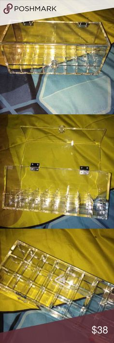 clear acrylic 28 lipstick holder used but no scratches or cracks Kat Von D Makeup Brushes & Tools