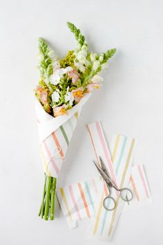 DIY // Striped Bouquet of Flowers