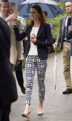 Look: Kate Middleton de Anabela