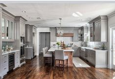 Impressive Small kitchen makeover cost,Small kitchen renovation before and after and Kitchen remodel boise. Home Interior, Interior Design Kitchen, Home Design, Classic Interior, Grey Interior Design, Scandinavian Interior, Interior Doors, Contemporary Interior, Scandinavian Style