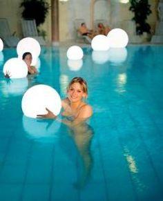 pool decor ballon glowstic