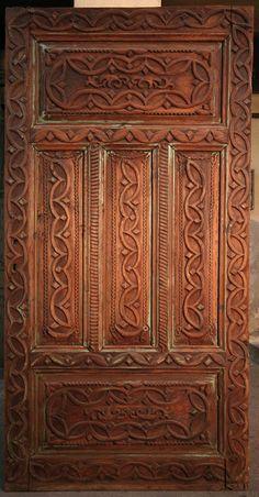 eski kapılar   Evlerimizin Geleneksel Kapıları