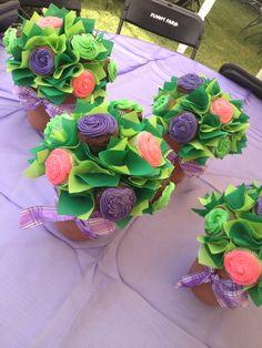 Macetas de cupcakes sabor coco, mantequilla y chocolate para despedida de soltera