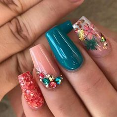 Discover cute and easy nail art designs for all occasions. Find inspiration for Easter, Halloween and Christmas and create your next nail art design. Perfect Nails, Gorgeous Nails, Pretty Nails, Teal Nails, Fancy Nails, Color Nails, Best Acrylic Nails, Acrylic Nail Designs, Encapsulated Nails