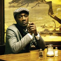 Aloe Blacc - stop it Sir. Your face is murdering me you handsome bastard.
