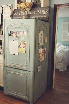 I need to know who can make my refrigerator look like this!!!... It's gorgeous!!!