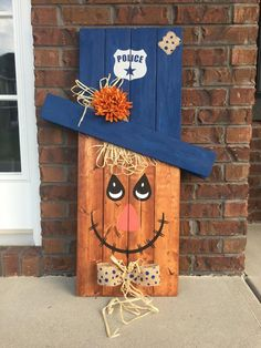 Reversible Scarecrow Snowman Pallet Snowman Pallet Scarecrow Porch Decor Porch Sign Seasonal Decoration Reversible Sign Police Sign Reversible Scarecrow Snowman Pallet Snowman By Southerngritdesign Fall Wood Crafts, Halloween Wood Crafts, Pallet Crafts, Pallet Art, Fall Halloween, Pallet Signs, Vintage Halloween, Halloween Costumes, Witch Costumes