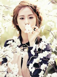 Why is she so damn gorgeous!? #4MINUTE #4NIA #Gayoon