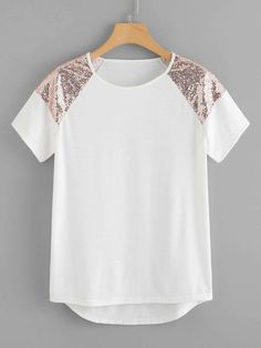 To find out about the Sequin Panel Dip Hem Tee at SHEIN, part of our latest T-Shirts ready to shop online today! Teen Fashion, Fashion Clothes, Fashion News, Fashion Dresses, Fashion Women, Diy Clothes, Clothes For Women, Woman Outfits, Short