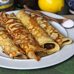 Traditional Irish Pancakes for Pancake Tuesday – Lea & Jay Irish Breakfast, Breakfast Recipes, European Breakfast, Brunch Recipes, Dessert Recipes, Crepes, Tortillas, Irish Desserts, Scottish Desserts