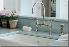 Things That Inspire: Kitchen and sink tips from my blog readers!  no pull down sprayer