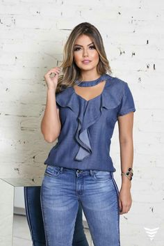 Denim Fashion, Womens Fashion, Jumpsuit Outfit, Casual Jeans, Jeans Dress, Blouse Styles, Casual Looks, Fashion Dresses, Clothes For Women