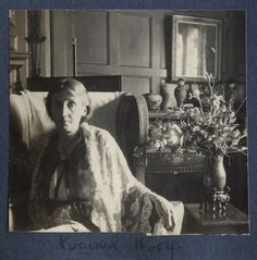 Virginia Woolf (née Stephen), by Lady Ottoline Morrell, June 1924 - NPG - © National Portrait Gallery, London