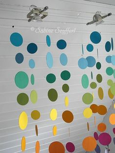 Circles 6 More - Basteln Faschingsdeko Kindergarten, Diy For Kids, Crafts For Kids, Mobiles, Deco Pastel, Summer Kids, Origami, Diy And Crafts, Carnival