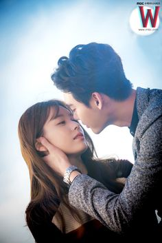 Han Hyo Joo & Lee Jong Suk W drama still cut Lee Jong Suk, Lee Tae Hwan, Jung Suk, Lee Jung, W Korean Drama, Drama Korea, W Kdrama, Kdrama Actors, W Two Worlds Wallpaper