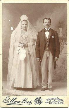 Chic Vintage Brides, Vintage Couples, Vintage Wedding Photos, Vintage Photos, Victorian Photography, White Wedding Dresses, Here Comes The Bride, Wedding Attire, Wedding Couples