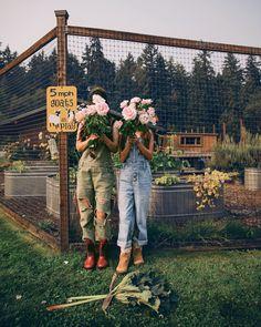 Farm Gardens, Outdoor Gardens, Farm Lifestyle, Future Farms, Vegetable Garden For Beginners, Mini Farm, Hobby Farms, Flower Farm, Dream Garden