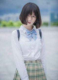 【画像あり】中国の美人コスプレイヤーが話題に 男と噂が浮上し大混乱 : いたしん!