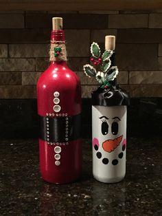 Santa wine bottle. Snowman wine bottle. Wine bottle crafts! DIY wine bottles! Holiday wine bottles!