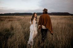 Fab fashion and boho wedding inspiration in this elopement styled shoot | Image by Chris and Ruth Photography