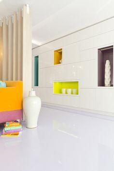 Apartament Bucuresti designist 08 Mâinile sus pentru culoare! Așa ne îndeamnă un apartament bucureștean.