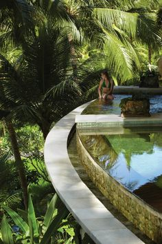 Exquisite pleasure time at the spa plunge pool of Four Seasons Resort in Sayan, Bali