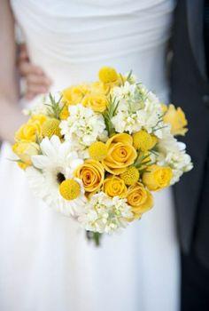 comment bien choisir le bouquet de mariée rond avec fleurs jaunes