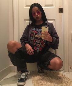 pin | @untetheredsun Tomboy Outfits, Tomboy Fashion, Retro Outfits, Grunge Outfits, Fashion Killa, Look Fashion, 90s Fashion, Girl Outfits, Casual Outfits