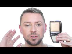 Makeup artist Wayne Goss gives a glowing review of Hourglass Ambient Lighting Powder. Keen to check this out.