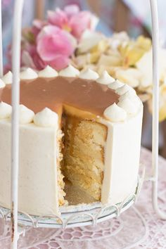 Bizcocho genovés, crema pastelera y caramelo...perfecta de dulzor y esponjosidad 100%
