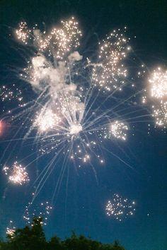 Backyard Little Elm Wedding by Jess Barfield Photography Fireworks Photography, Art Photography, Firework Nails, Wedding Fireworks, Fireworks Cake, Little Elm, Vw Vintage, Sparklers, Belle Photo