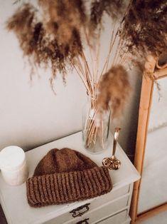 Brown Bear, Beanie Hats, Shag Rug, Knitting Patterns, Blanket, Photoshoot Ideas, Knits, Photography Ideas, Decor