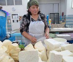 Am Markt von Chisinau #taipantouristik #moldau #chisinau #markt #shopping #reisen #moldova #wanderlust #immereinereisewert # Camembert Cheese, Dairy, Wanderlust, Instagram, Food, Viajes, Essen, Meals, Yemek