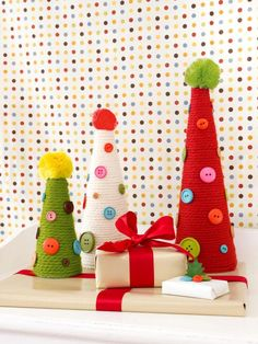 Craft Playful Button and Yarn Trees - Our 65 Favorite Handmade Holiday Decorating Ideas on HGTV Handmade Christmas Decorations, Christmas Centerpieces, Christmas Crafts For Kids, Holiday Crafts, Holiday Decorating, Decorating Ideas, Craft Ideas, Decor Ideas, Christmas Ideas