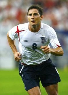 (born 20 June is an English football player currently at Chelsea and previously with West Ham United, and Swansea City. Frank James, England Football, Swansea, Profile Photo, Football Players, Athlete, Chelsea, Spanish, Soccer