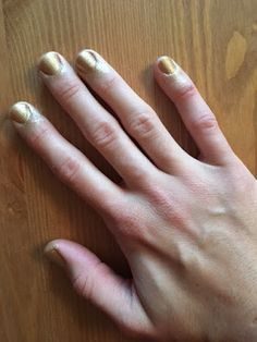 As you may know I am a nail colour lover, so after some time looking for this curious new way of painting my nails, the Paint Can  by ...