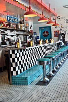 Diner Hocker, Route 66 Diner Albuqerque NM – My Great Pins Retro Vintage, Vintage Design, Retro Men, Modern Retro, Retro Design, Cafe Design, Interior Design, Diner Aesthetic, 1950s Aesthetic