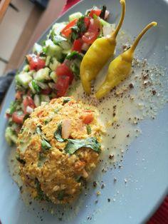 Quinoa Burgers, Turmeric, Fried Rice, Fries, Cooking Recipes, Ethnic Recipes, Food, Cooker Recipes, Chef Recipes