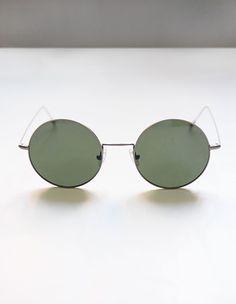 Viveur Sunglasses // Brad Round Shape Silver on aere-store.com