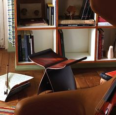 To design the Butterfly Stool, Sori Yanagi combined his Eastern influences with a special technique created by Ray and Charles Eames of bending and shaping plywood.